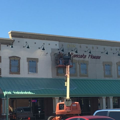 Exterior Commercial Painting Project For The Original Pancake House Strip Center In Fishers Indiana This P Exterior Paint Expansion Joint Roofing Contractors