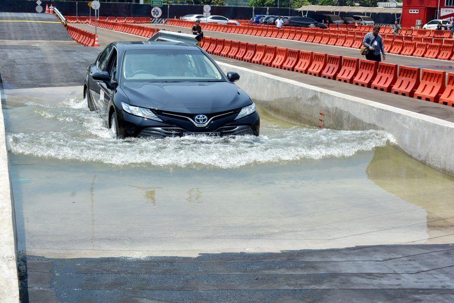 Mau Test Drive Mobil Toyota? Di Sini Lebih Seru