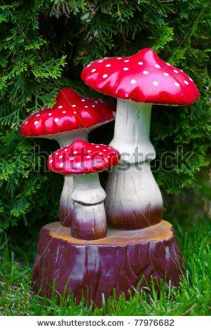 images about paddestoelen on, ceramic mushroom garden decor, diy mushroom garden decor, how to make mushroom garden decorations