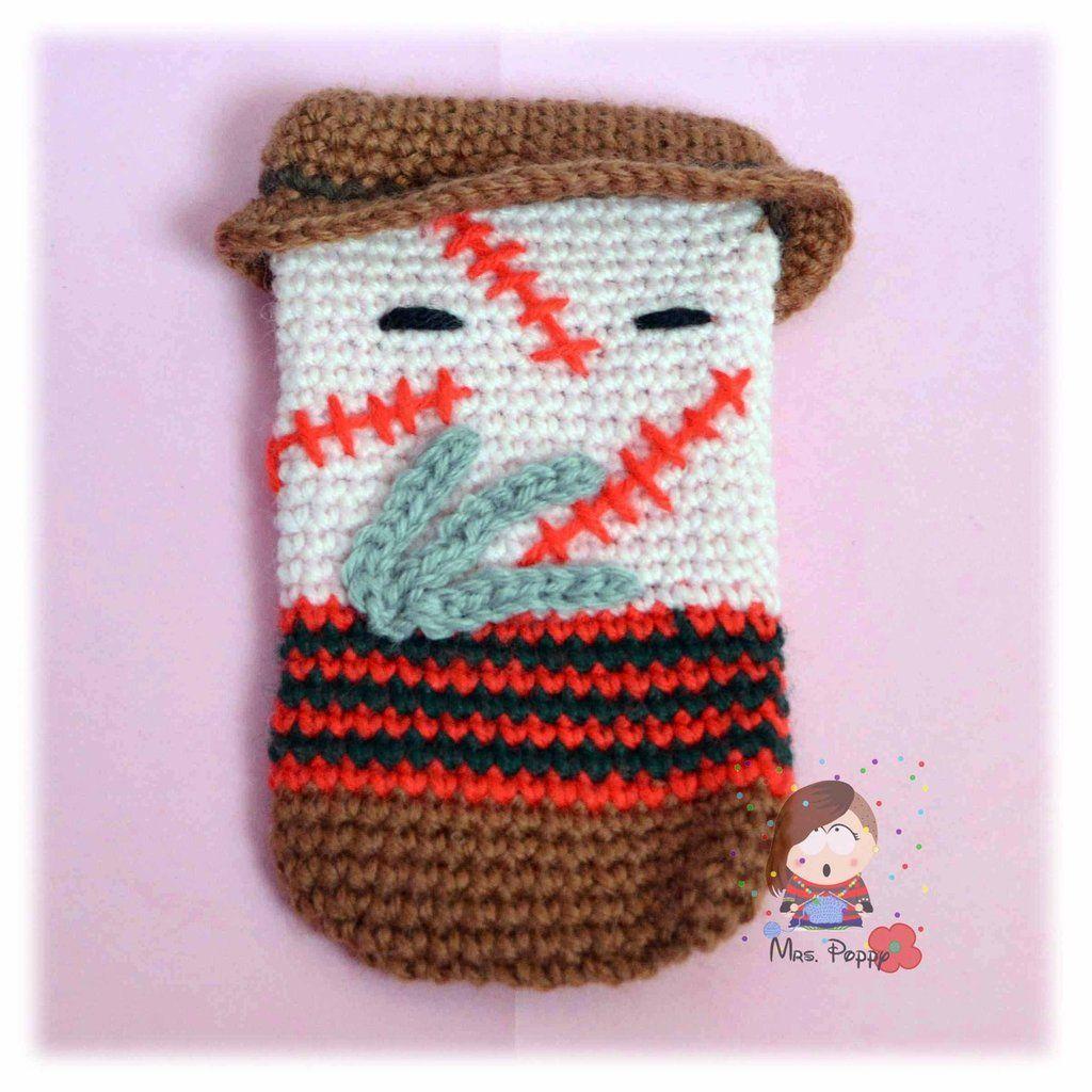 Smartphone cozy crochet amigurumi Freddy Krueger. Cover smartphone uncinetto amigurumi Freddy Krueger
