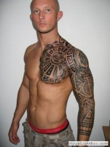 Motif Tatouage Polynesien Et Maori Bras Complet Et Poitine Homme