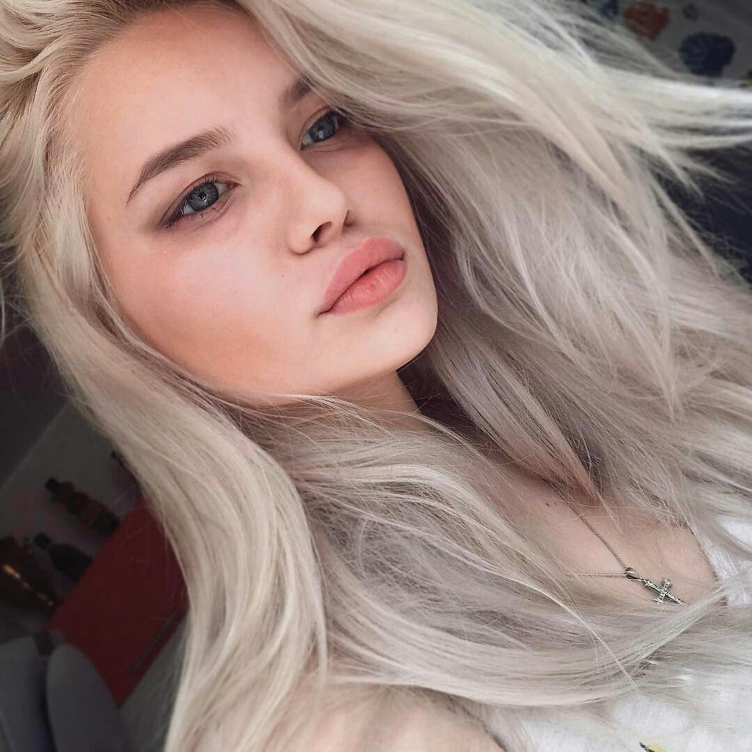 Empty nose piercing  αυυυвreyтαтe   pαle  Pinterest  Makeup Hair makeup and