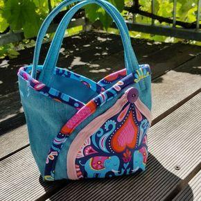 """Gratis Schnittmuster mit Freebook: Blütentasche """"Tulipa"""" – Als Handtasche, für Blumenkinder oder als Deko #freebookschnittmuster"""