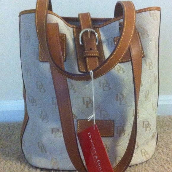 🎉🎉REDUCED PRICE🎉🎉NWT ❤️Dooney and Bourke ❤️ Authentic D&B. It's very nice bag. Make an offer!!! Dooney & Bourke Bags