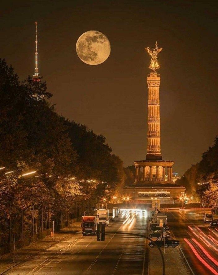 Siegessaule In 2020 Berlin Bei Nacht Berlin Urlaubsorte