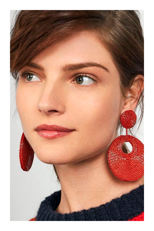 74309ee32f6e Aretes que van con la forma de tu rostro  TiZKKAmoda  rostro  aretes  rojos   earrings  red  fashion  accesorios