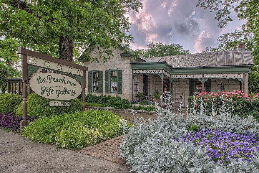 The Peach Tree Fredericksburg texas, Tree restaurant
