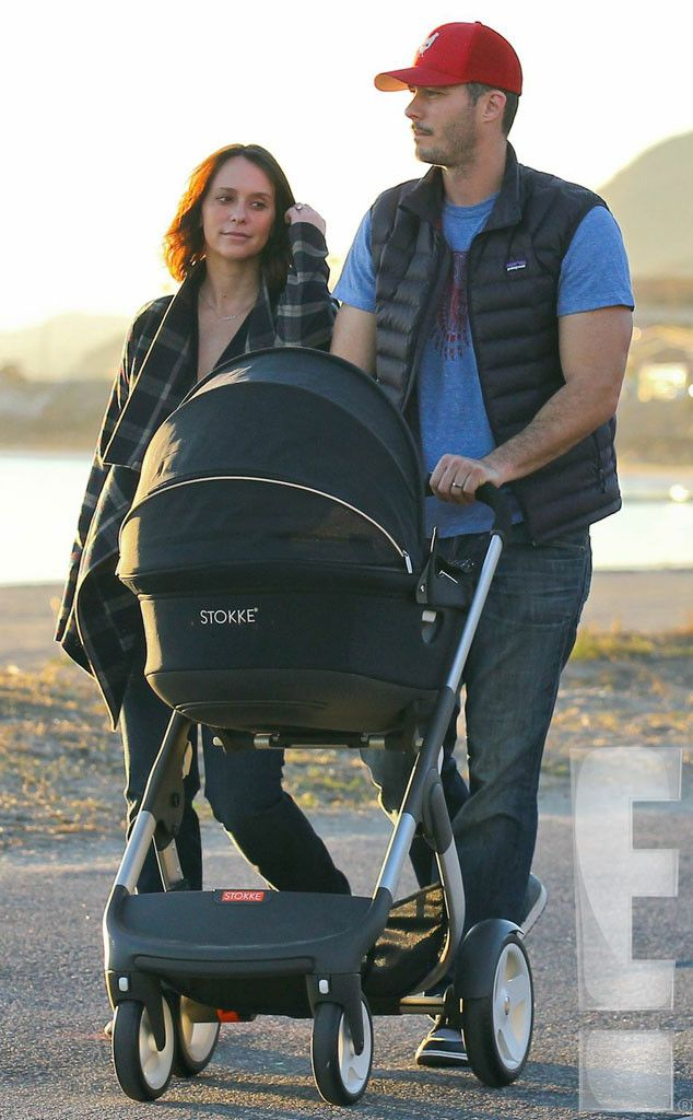 Jennifer Love Hewitt Out With Baby Autumn And Husband Brian Hallisay Their Stokke Crusi Stroller Jennifer Love Jennifer Love Hewitt Stroller