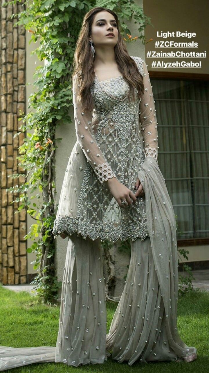 bbaa987f0255 Moon ❤ sm | Pictures in 2019 | Pakistani dresses, Dresses ...