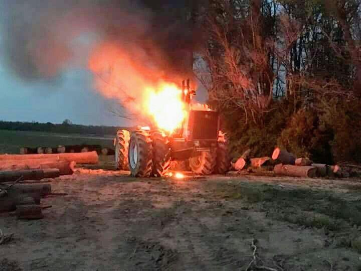 Allis-Chalmers 8550 FWD Fire