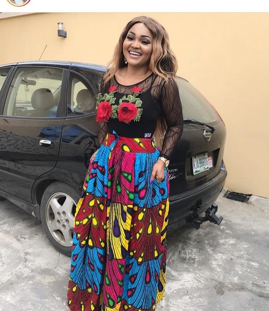 There are a number of ways to enable oneself beautiful with an aso ebi styleNigerian Yoruba dress styles , Even if you are contemplating about what to create and slay with an Nigerian Yoruba dress styles. latest asoebi styles for occasions come in a lot of patterns and designs.   The African dress styles beauty of this print is that it comes in many designs and textures. Ankara will allow you make a be the same of any fabric without losing the Ankara designs flair. #nigeriandressstyles