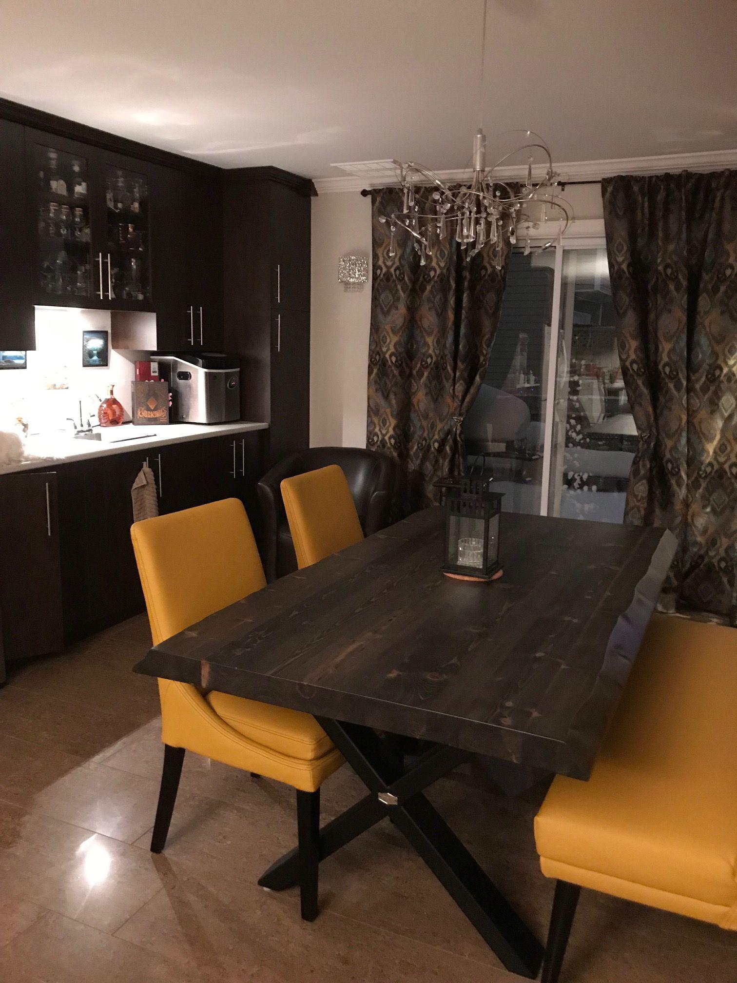 Table Selena Bois De Grange Stout 72 X 40 3 Epais Cotes Ondules Banquette Meridian Cu018 Jaune Et Chaises Sinatr Home Decor Table Furniture