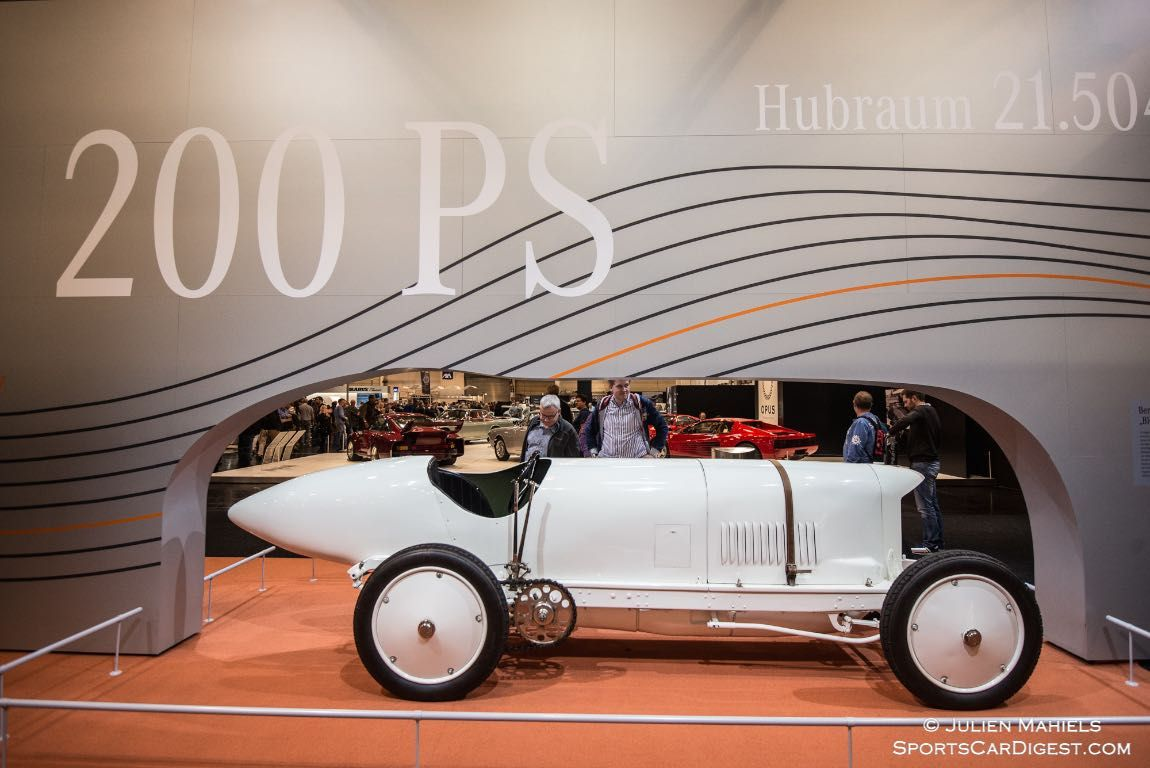 """1909 Benz 200 HP - In 1911, Bob Burman clocked up 228.1 km/h on the sand track at Daytona beach. This made the """"Blitzen-Benz"""", as the model was known in the USA, the fastest vehicle in the world – even faster than any aeroplane or train. The record was to stand for eight years."""