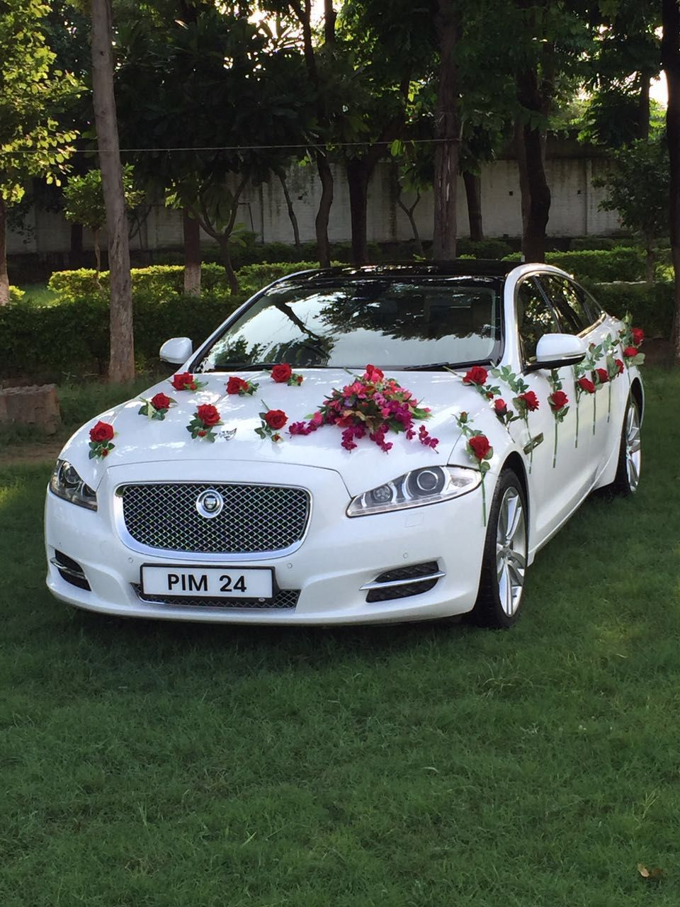 Www Weddingcarhir Car Rental Agency Delhi In 2020 Wedding Car Decorations Luxury Car Rental Luxury Car Hire
