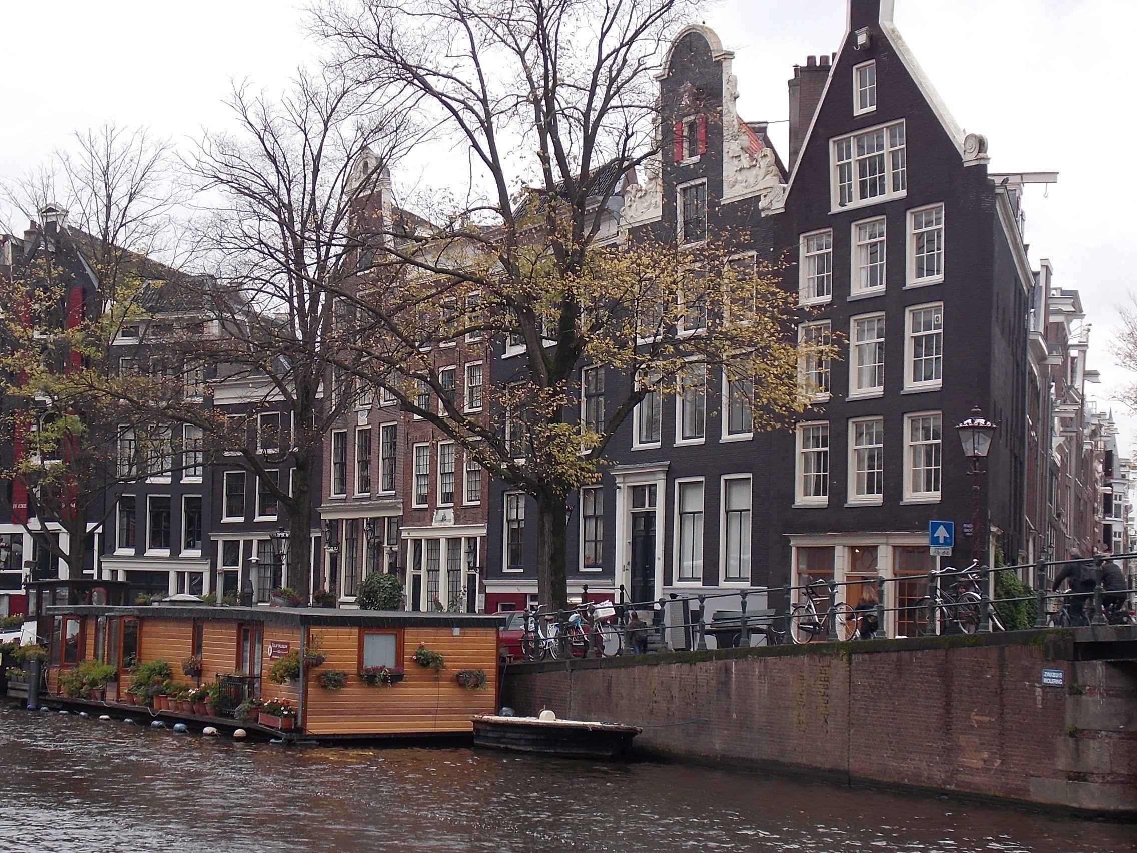 así se siente Amsterdam en un día otoñal