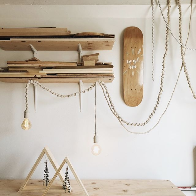 Check out the beautiful DIY Macrame Light Fixtures that @rachel_metz created for her new workshop using our DESIGNER™ Vintage Bulbs and 2 in 1 Socket Pendants! #diyhomedecor #globeelectric #apartmenttherapy