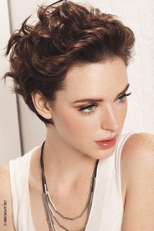 Como peinar pelo corto ondulado mujer