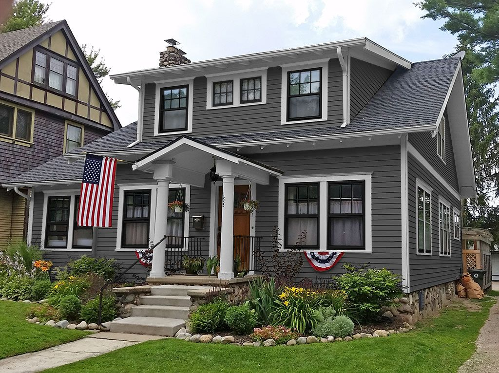 I Like The Look Of Black Windows And White Trim With Gray