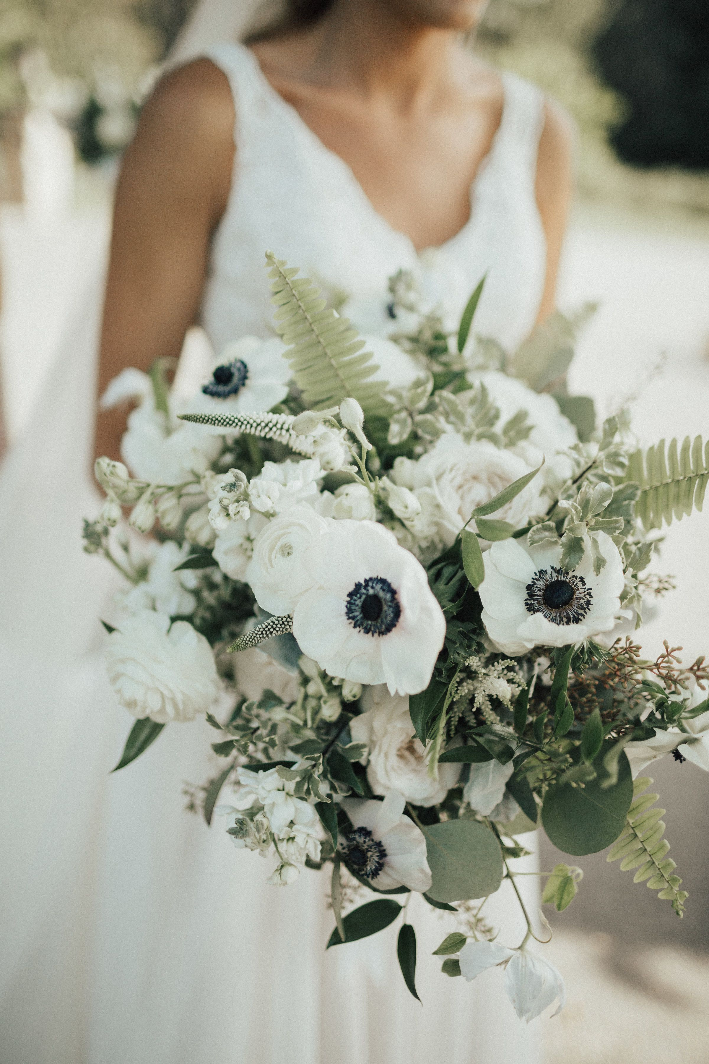 Beautiful White And Green Floral Bouquet Black And White Anemones Roses Ferns Veronica Wedding Flower Trends Anemone Bouquet Wedding Veronica White Flower
