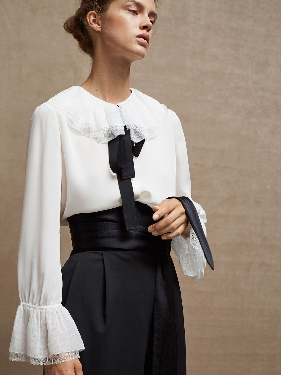 Fall Winter 2017 Women´s LIMITED EDITION CONTRASTING TROUSERS WITH BOW  DETAIL at Massimo Dutti for 150. Effortless elegance! 4562ca559