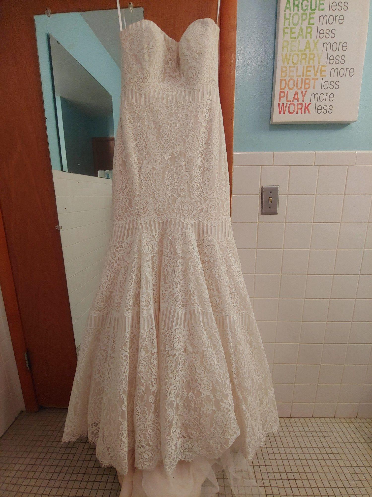 Allure Bridals 9259 Wedding Dress On Sale – 50% Off – 2020