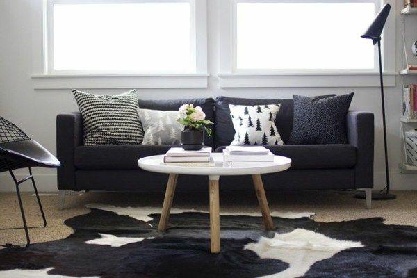 Schon Wohnzimmer Petrol Braun Fresh Fell Teppich Ohnzimmer Ovaler Couchtisch  Schwarzes Sofa