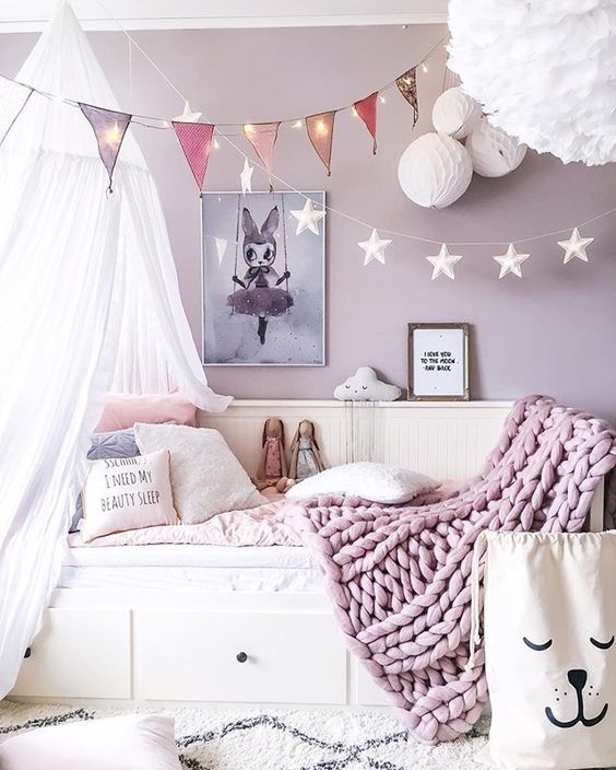 17 purple bedroom ideas that beautify your bedroom s look. Black Bedroom Furniture Sets. Home Design Ideas