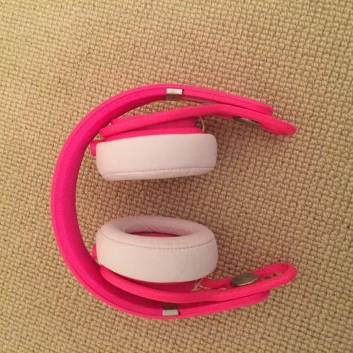 Beats By dr dre Mixr Headphones - Neon Pink https://t.co/zn3u6CM7YD https://t.co/P1nN5k1kXl