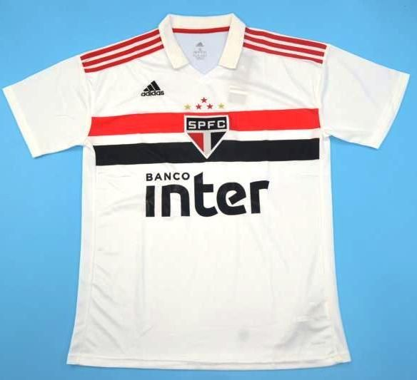 162b4600a10 Maillot foot Sao Paulo FC 2018-2019. Voir cette épingle et d autres images  dans Soccer jerseys par JARAGUAR. Balises. Maillots De Football