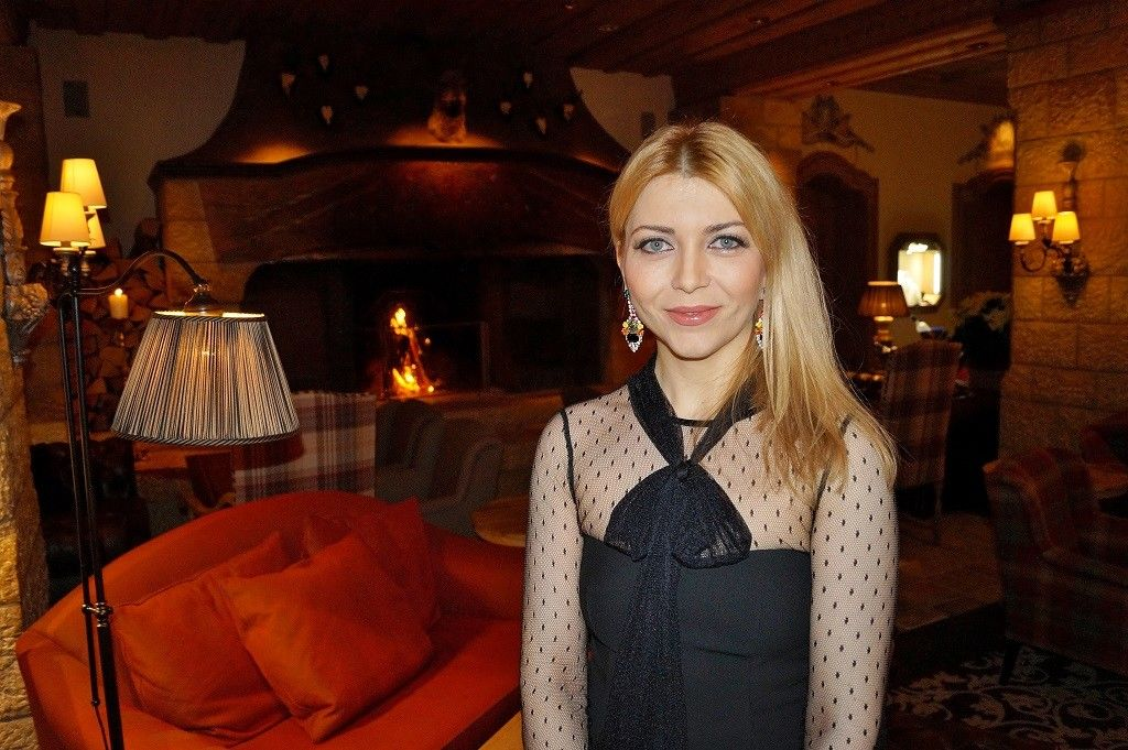 Apéro and Welcome Dinner Look – Gstaad