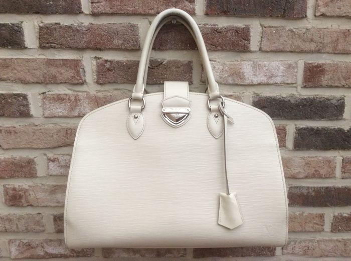 Louis Vuitton - Epi Pont-Neuf GM Een chique en gesofisticeerde tas voor  jouw dagelijkse 4698eb55211