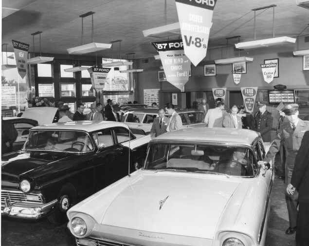 Inside A Ford Dealership 1957 Car Dealership Retro Cars Vintage