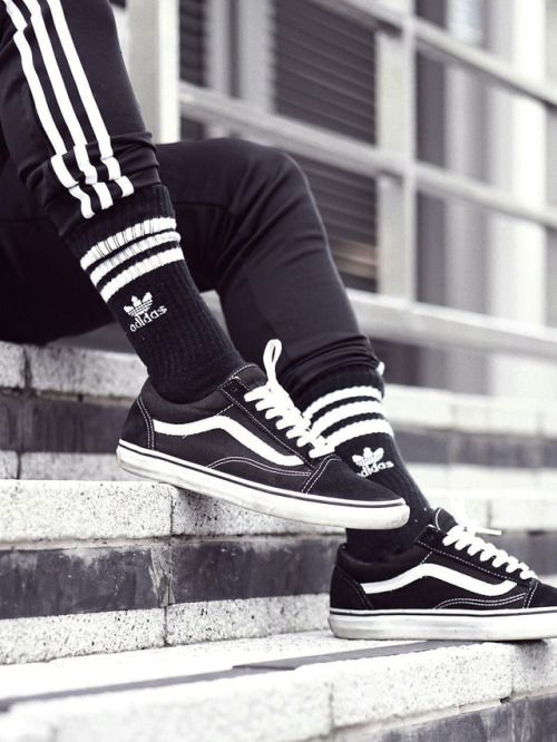 "sweetsoles: ""Vans Old Skool Black (by carlkho_) "" 