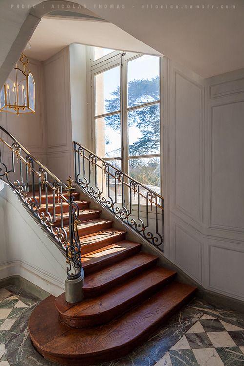 escalier au petit trianon versailles avec sa rambarde en forme de bite versailles interiors. Black Bedroom Furniture Sets. Home Design Ideas