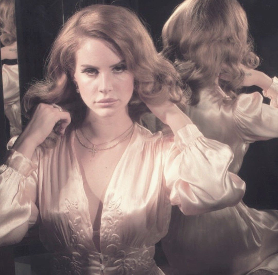 Pin on Lana Del Rey ~ SHOOTS