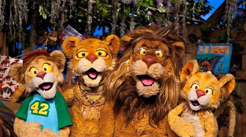 Top Tv Shows That Every Canadian 90 S Kid Has Seen Between The Lions Top Tv Shows Best 90s Cartoons