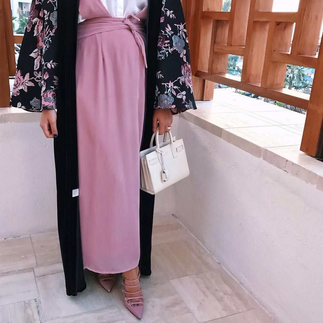 788 Likes 64 Comments Dubai Hessafalasi On Instagram Love The Look From Our Romantic Collection We A Muslimah Fashion Fashion Clothes For Women