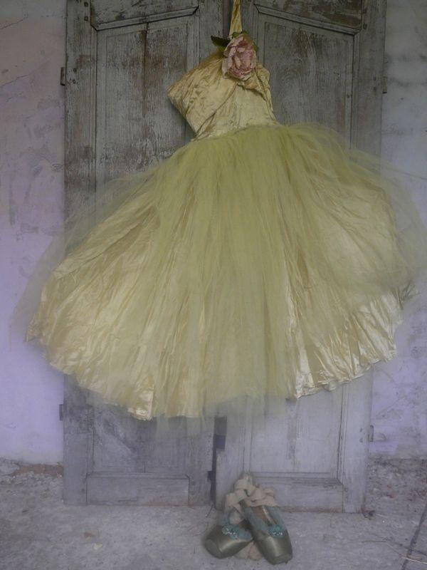 vintage ballet dress- gorgeous!