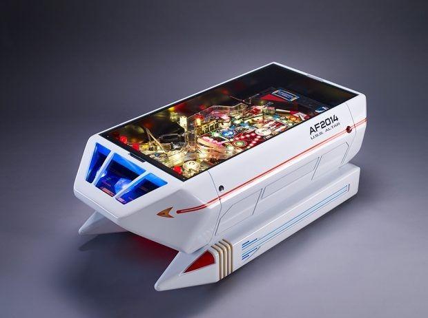 Galaxy Fantasy: Máquina de pinball diseñada como una lanzadera de Star Trek