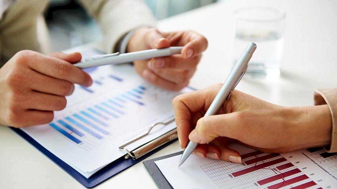 كيفية كتابة تقرير Crm Healthy Living Lifestyle Resume Writing Services
