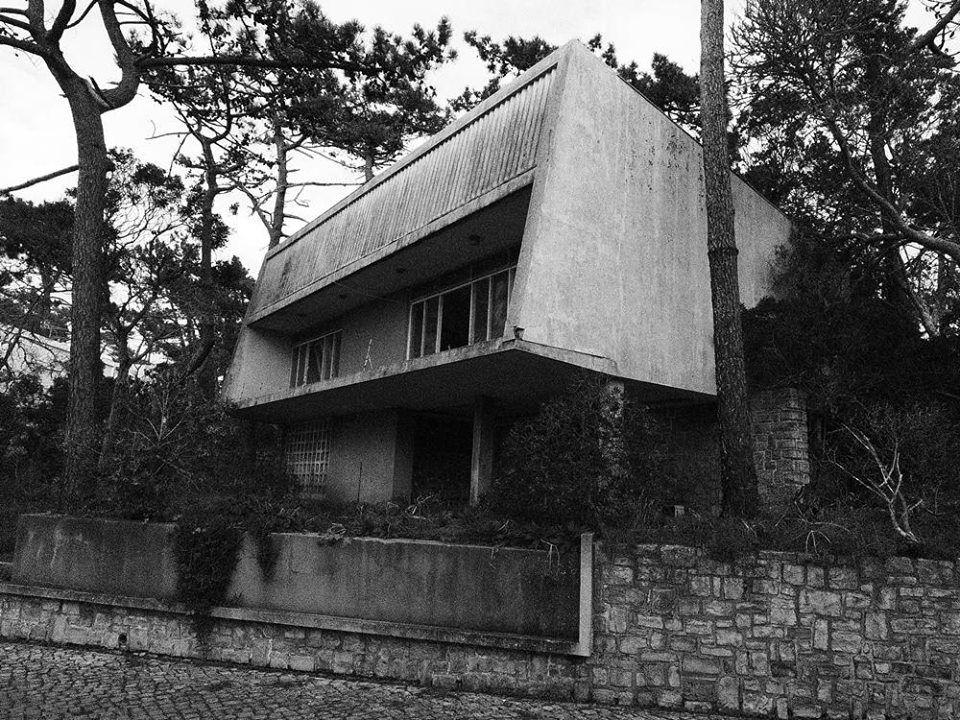 ...Casa Augusto Roldao (1955) São Pedro de Moel, Portugal | António Dinis Baroseiro Júnior