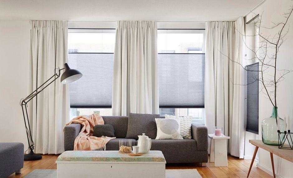 plisse gordijnen in leuke woonkamer | gordijnen woonkamer ...