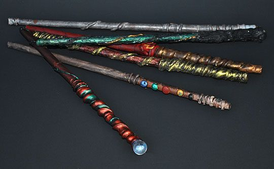 Some more wands using paper wrapped around a chopstick and then using hot glue nice painting - Coole wanddesigns ...