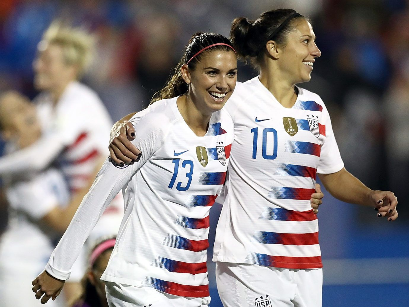 Us Women S Soccer Team Player Puts Ruth Bader Ginsburg S Name On Her Jersey Women S Soccer Team Carli Lloyd Uswnt