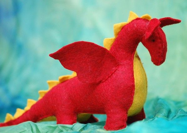 love this happy dragon #feltdragon