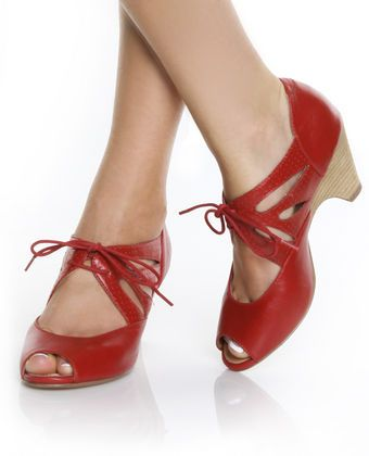 1000  images about Kitten heels! on Pinterest | Kitten heel shoes ...