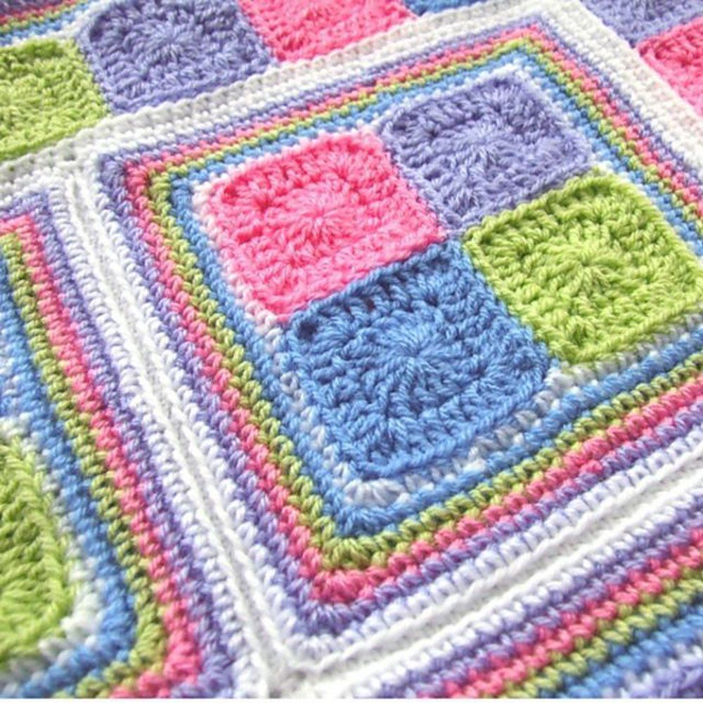 This Easy Granny Square pattern is the perfect first blanket project ...