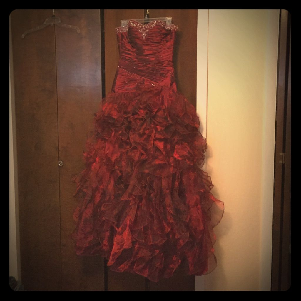 A gorgeous red prom dress products