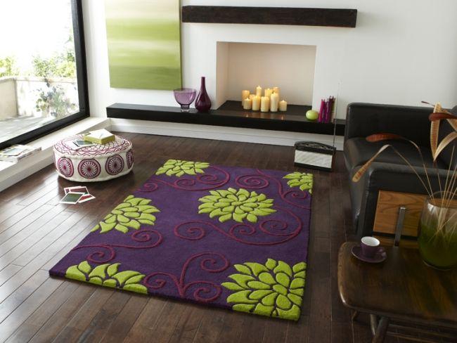 teppich blumenmuster lila grün wohnzimmer dielenboden | wohnen