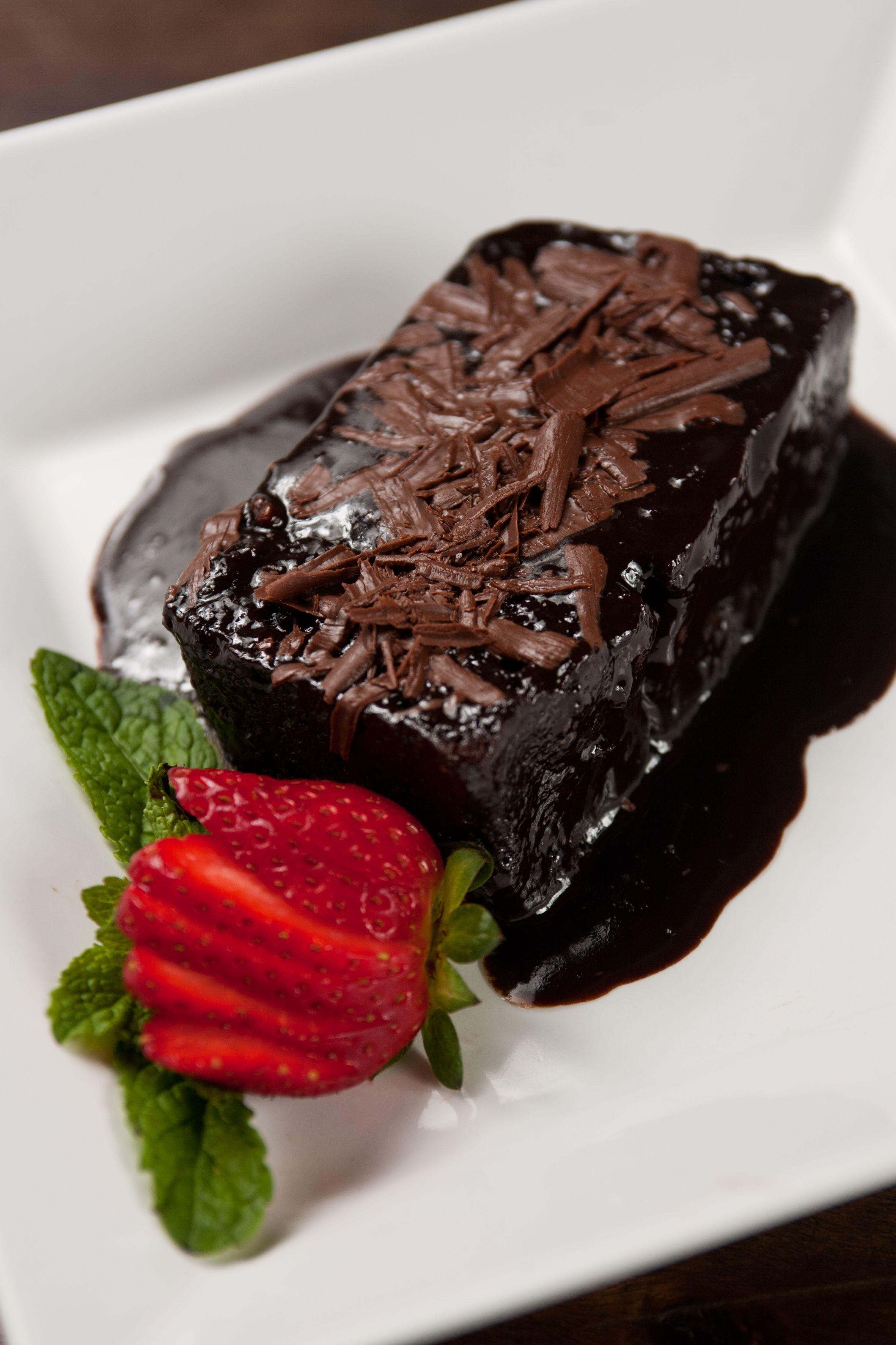 Bolo De Chocolate Quente Com Calda De Chocolate E Baunilha Bolo De Chocolate Chocolate Quente Calda De Chocolate